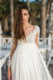 Wedding dresses Ennis Collection  Fresh Touch  Silhouette  Empire  Color  Ivory  Neckline  Sweetheart  Sleeves  Long Sleeves  Fitted  Train  No train - foto 3