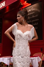 Wedding dress Uma Silhouette  Sheath  Color  Ivory  Neckline  Sweetheart  Train  No train - foto 2