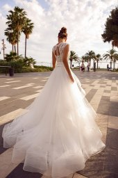 Wedding dress Hope Silhouette  A Line  Color  Ivory  Neckline  Queen Anne  Sleeves  Sleeveless  Train  No train - foto 4