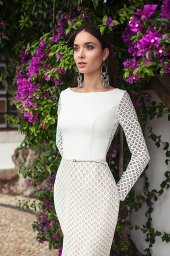 Wedding dresses Epica Collection  Lisbon Lace  Silhouette  Fitted  Color  Ivory  Neckline  Bateau (Boat Neck)  Sleeves  Set In  Long Sleeves  Fitted  Train  No train - foto 2