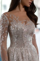 Wedding dress Shine Silhouette  A Line  Color  Silver  Ivory  Neckline  Sweetheart  Sleeves  Long Sleeves  Train  No train - foto 3