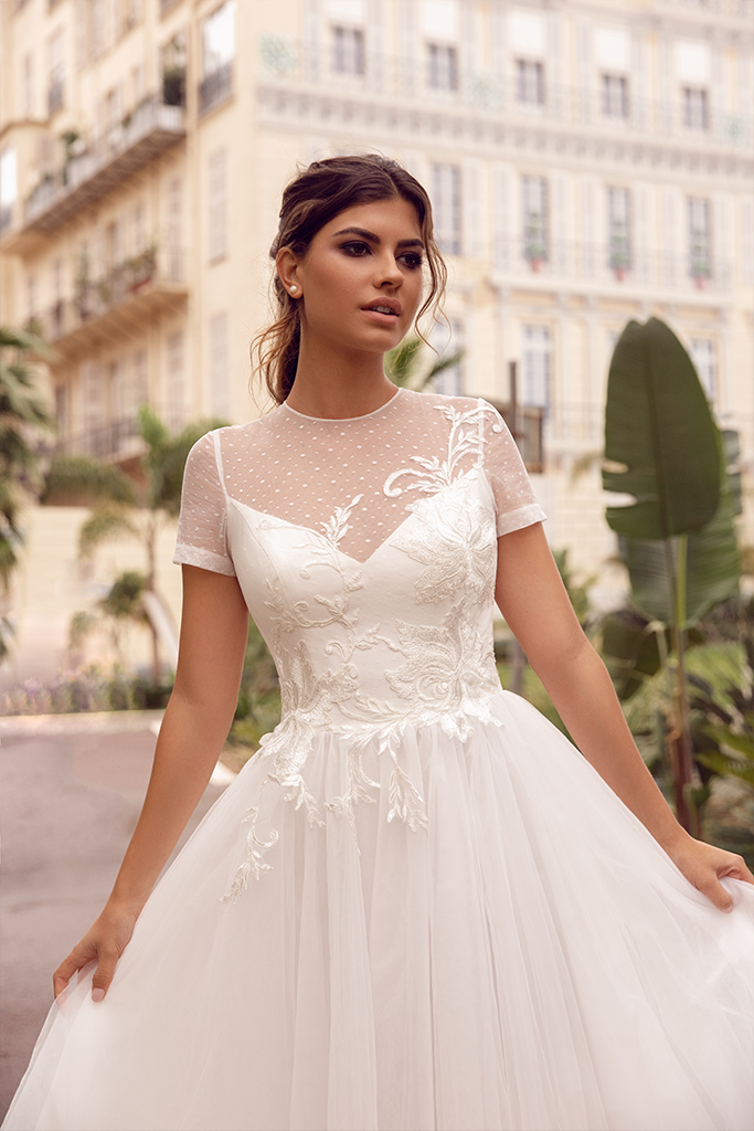 Wedding dress Sharon Silhouette  A Line  Color  Ivory  Neckline  Scoop  Sleeves  T-Shirt - foto 4