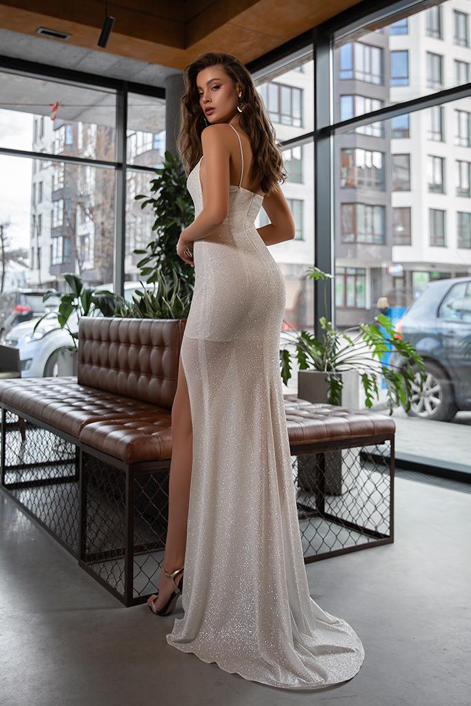 Wedding dress Antony  Silhouette  Sheath  Color  Ivory  Neckline  Straight  Sleeves  Spaghetti Straps  Train  With train - foto 3