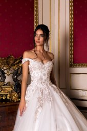 Wedding dress Flori  Silhouette  A Line  Color  Pink  Ivory  Neckline  Bateau (Boat Neck)  Sleeves  Off the Shoulder Sleeves  Train  With train - foto 5