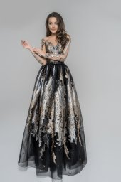 Evening dresses 1818 Silhouette  A Line  Color  Gold  Black  Neckline  Sweetheart  Portrait (V-neck)  Illusion  Sleeves  Long Sleeves  Fitted  Train  No train - foto 2