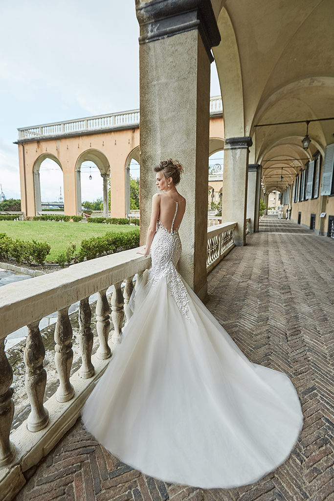 Wedding dress Melania Silhouette  Mermaid  Color  Blush  Ivory  Neckline  Sweetheart  Sleeves  Sleeveless  Train  With train - foto 4