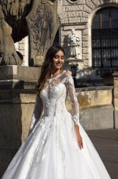 Wedding dress Solana Silhouette  A Line  Color  Ivory  Neckline  Sweetheart  Sleeves  Long Sleeves  Train  With train - foto 4