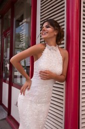 Wedding dress Ashley-1 Silhouette  Fitted  Color  Ivory  Neckline  Halter  Sleeves  Sleeveless  Train  With train - foto 2
