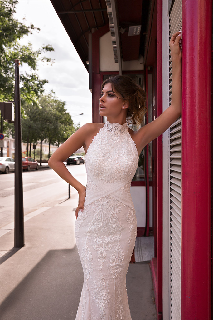 Wedding dress Ashley-1 Silhouette  Fitted  Color  Ivory  Neckline  Halter  Sleeves  Sleeveless  Train  With train - foto 5