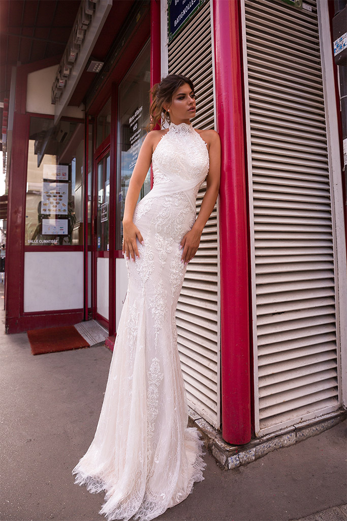 Wedding dress Ashley-1 Silhouette  Fitted  Color  Ivory  Neckline  Halter  Sleeves  Sleeveless  Train  With train - foto 4