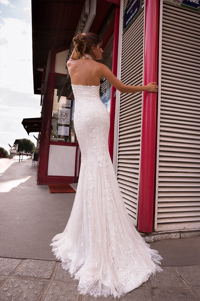 Wedding dress Ashley-1 Silhouette  Fitted  Color  Ivory  Neckline  Halter  Sleeves  Sleeveless  Train  With train - foto 3