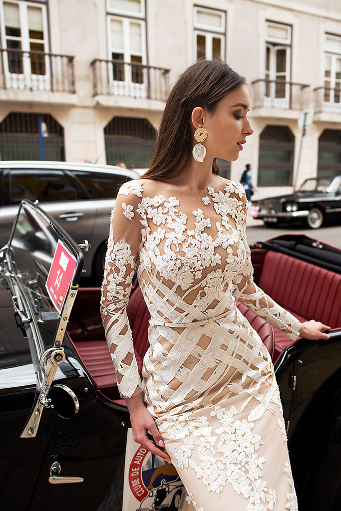Wedding dresses Picassa Collection  Lisbon Lace  Silhouette  Sheath  Color  Cappuccino  Ivory  Neckline  Illusion  Sleeves  Long Sleeves  Fitted  Train  With train - foto 5