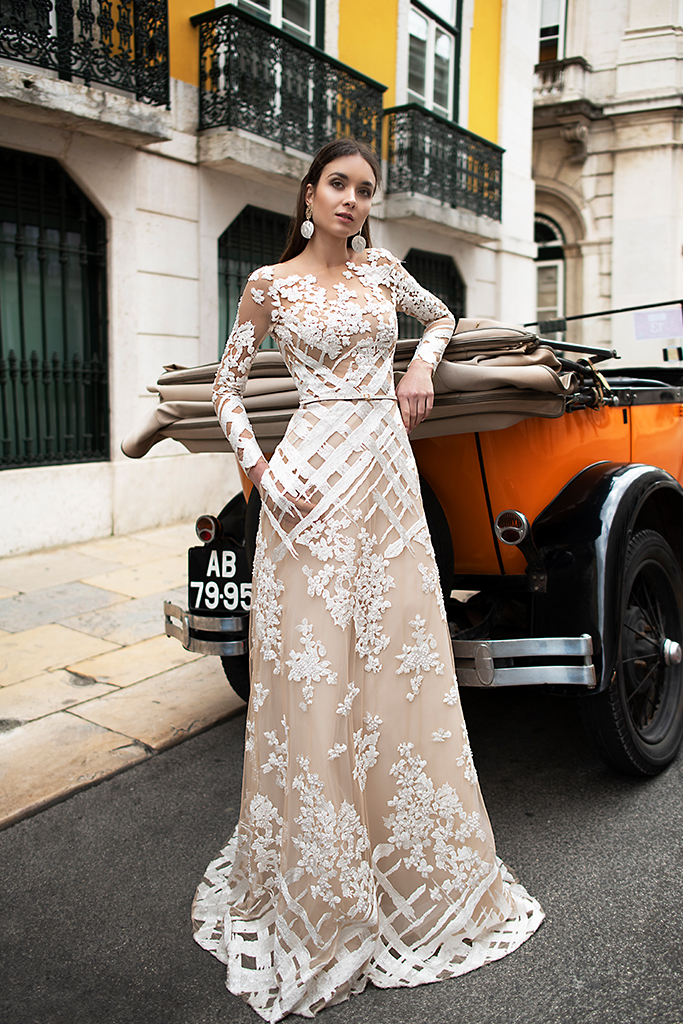 Wedding dresses Picassa Collection  Lisbon Lace  Silhouette  Sheath  Color  Cappuccino  Ivory  Neckline  Illusion  Sleeves  Long Sleeves  Fitted  Train  With train - foto 7