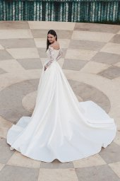 Wedding dresses Frederika Collection  Fresh Touch  Silhouette  A Line  Color  Ivory  Neckline  Straight  Sleeves  Off the Shoulder Sleeves  Long Sleeves  Fitted - foto 4