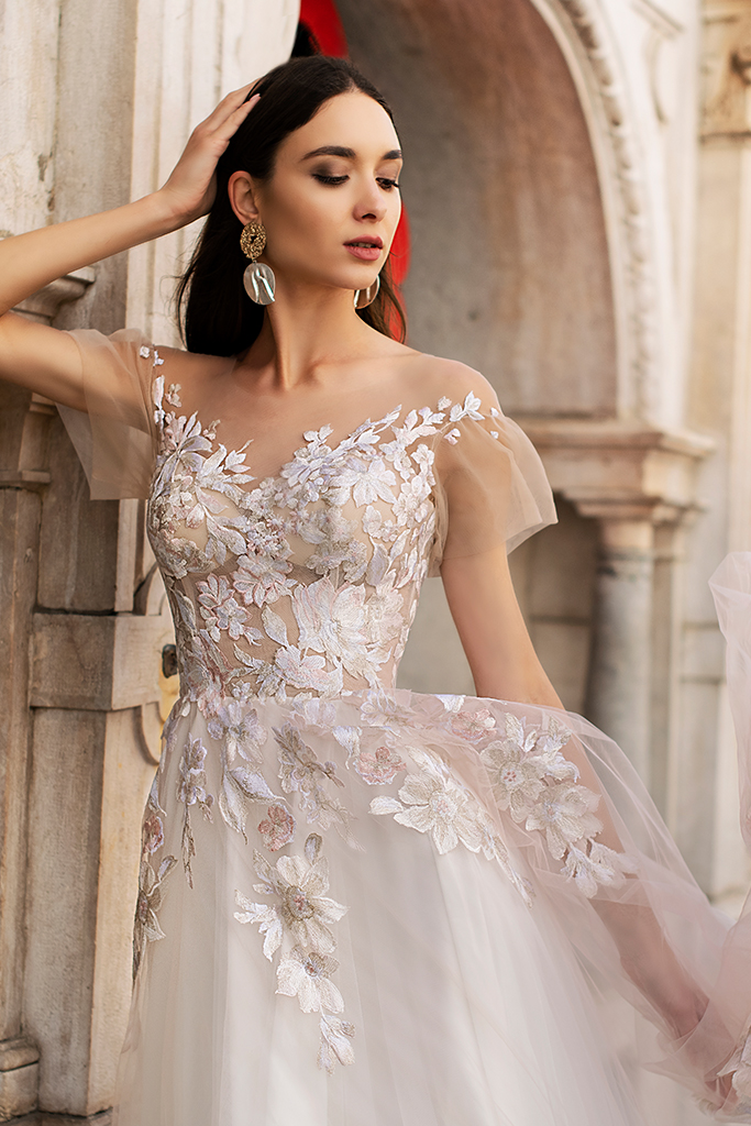 Wedding dresses Kessi Collection  Lisbon Lace  Silhouette  A Line  Color  Pink  Ivory  Neckline  Sweetheart  Sleeves  Off the Shoulder Sleeves  Train  With train - foto 8