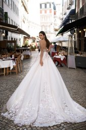 Wedding dresses Kessi Collection  Lisbon Lace  Silhouette  A Line  Color  Pink  Ivory  Neckline  Sweetheart  Sleeves  Off the Shoulder Sleeves  Train  With train - foto 6