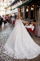 Wedding dresses Kessi Collection  Lisbon Lace  Silhouette  A Line  Color  Pink  Ivory  Neckline  Sweetheart  Sleeves  Off the Shoulder Sleeves  Train  With train - foto 7