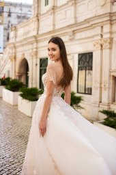 Wedding dresses Kessi Collection  Lisbon Lace  Silhouette  A Line  Color  Pink  Ivory  Neckline  Sweetheart  Sleeves  Off the Shoulder Sleeves  Train  With train - foto 9