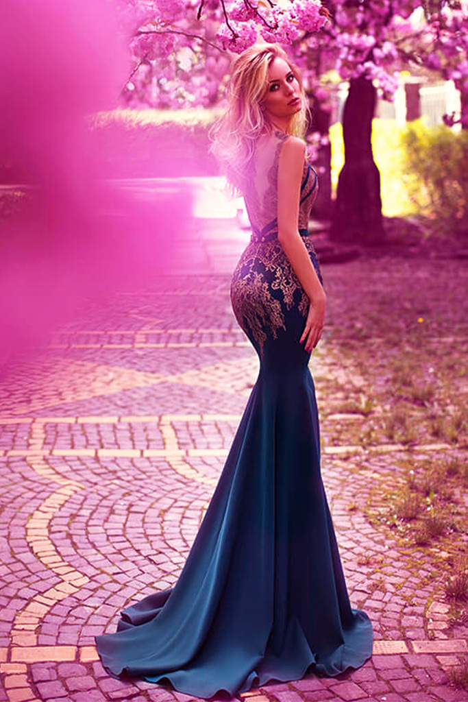 Evening dresses №1094 Silhouette  Fitted  Color  Green  Neckline  Portrait (V-neck)  Sleeves  Sleeveless  Train  With train - foto 3