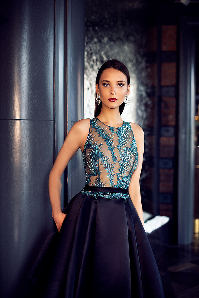 Evening dresses №1400 Silhouette  A Line  Color  Blue  Neckline  Halter  Sleeves  Sleeveless  Train  With train - foto 2