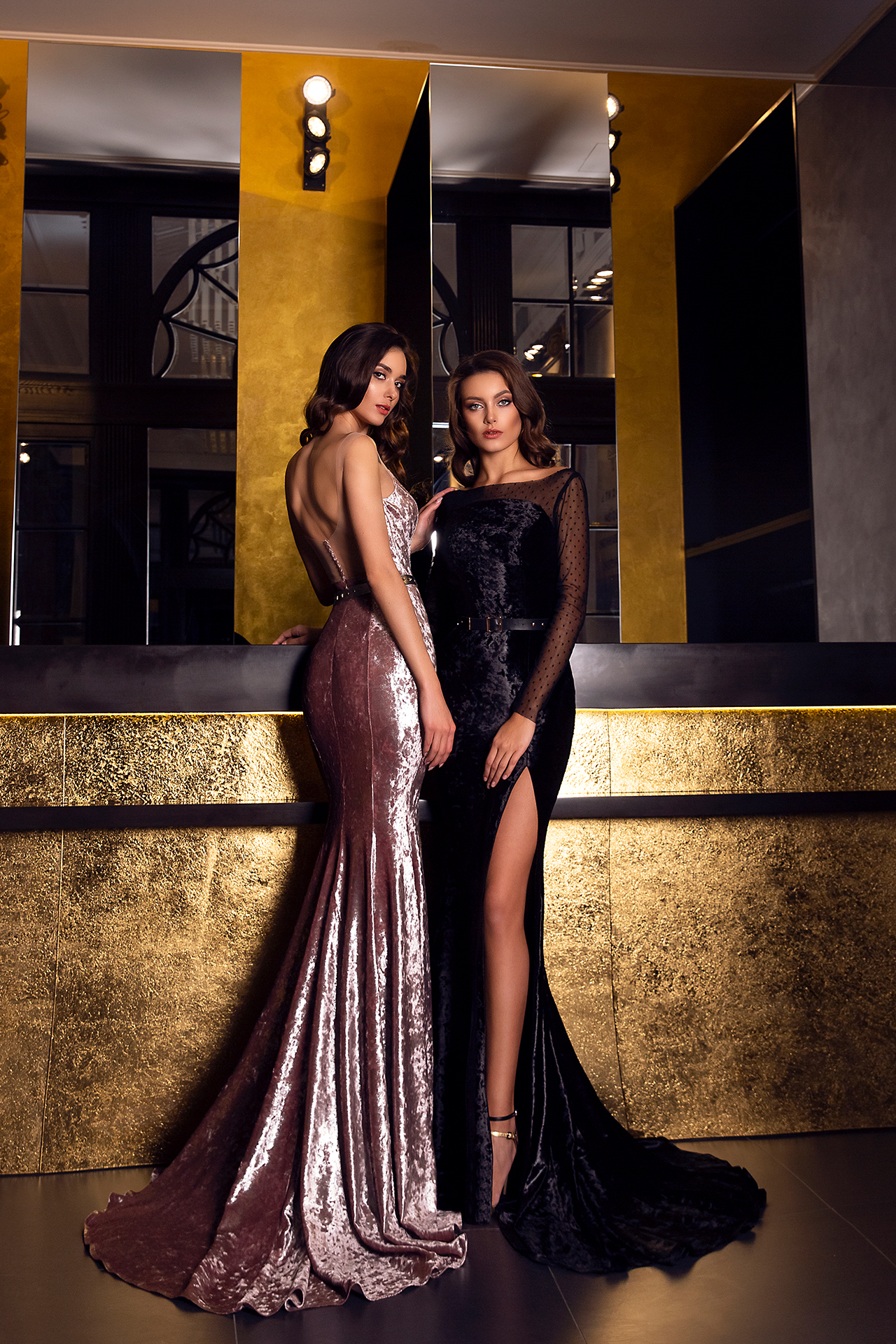 Evening dresses №1546  Silhouette  Fitted  Color  Black  Neckline  Straight  Sleeves  Long Sleeves  Train  With train - foto 2
