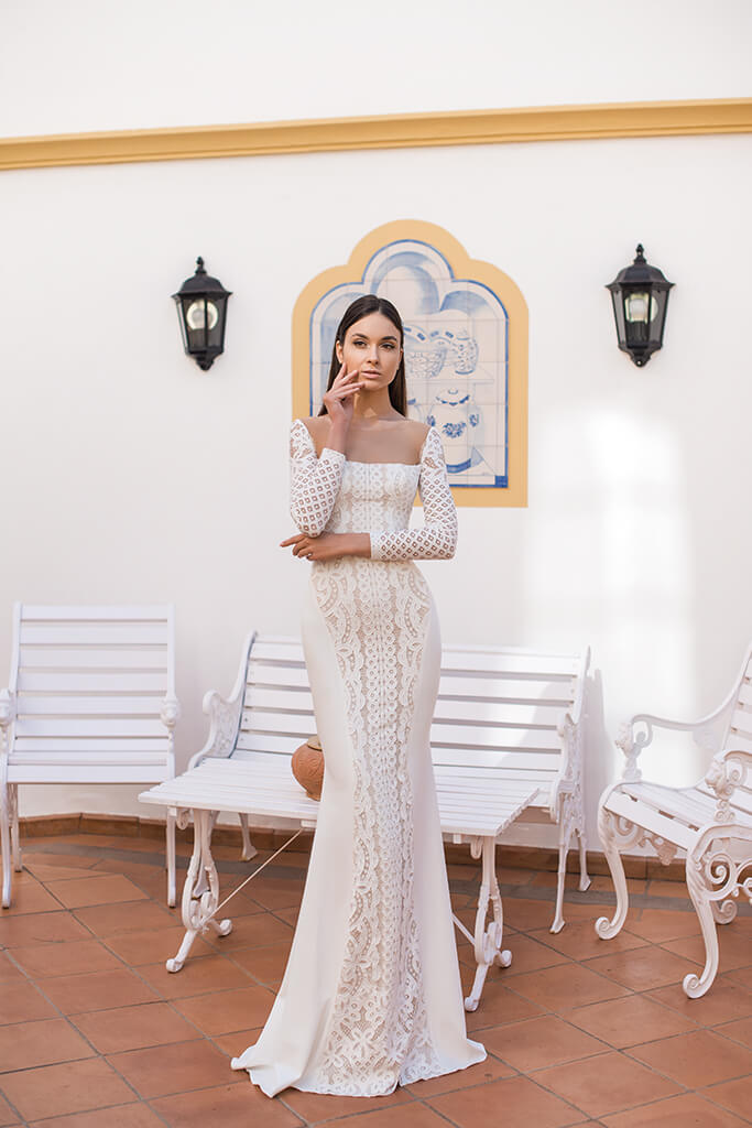 Wedding dresses Daira Collection  Lisbon Lace  Silhouette  Fitted  Color  Ivory  Neckline  Straight  Sleeves  Long Sleeves  Fitted  Train  No train - foto 3