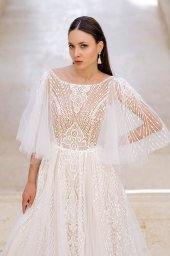 Wedding dresses Eos Collection  Fresh Touch  Silhouette  A Line  Color  Ivory  Neckline  Bateau (Boat Neck)  Sleeves  Detachable  Wide straps  Train  With train - foto 5