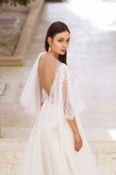 Wedding dresses Eos Collection  Fresh Touch  Silhouette  A Line  Color  Ivory  Neckline  Bateau (Boat Neck)  Sleeves  Detachable  Wide straps  Train  With train - foto 8