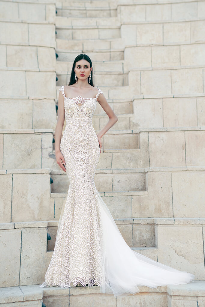 Wedding dresses Tigan Collection  Lisbon Lace  Silhouette  Fitted  Color  Cappuccino  Ivory  Neckline  Sweetheart  Sleeves  Wide straps  Train  With train - foto 2