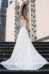 Wedding dresses Meadow Collection  Lisbon Lace  Silhouette  A Line  Color  Blush  Ivory  Neckline  Sweetheart  Sleeves  Off the Shoulder Sleeves  Train  With train - foto 3
