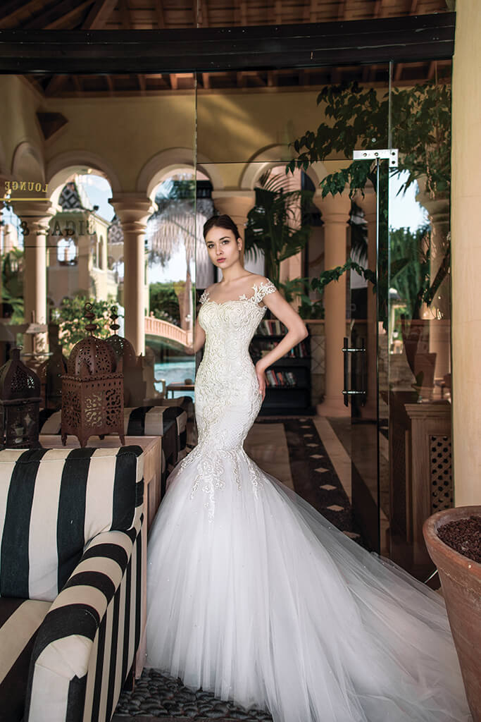 Wedding dresses Melisandra Collection  Fresh Touch  Silhouette  Mermaid  Color  Ivory  Neckline  Sweetheart  Sleeves  Off the Shoulder Sleeves  Train  With train - foto 3