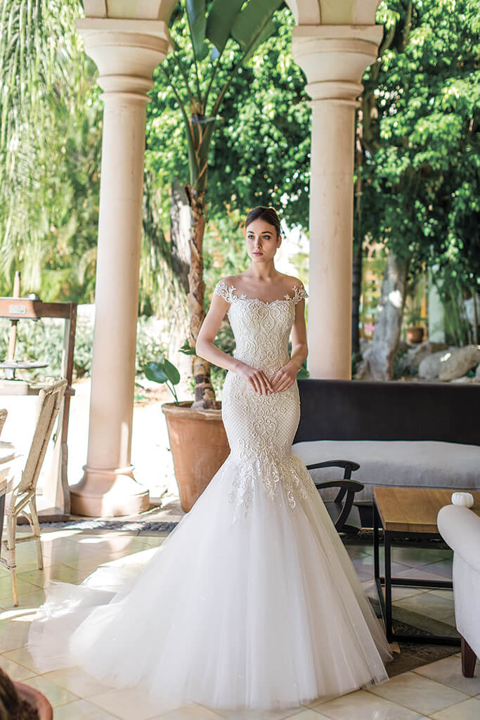 Wedding dresses Melisandra Collection  Fresh Touch  Silhouette  Mermaid  Color  Ivory  Neckline  Sweetheart  Sleeves  Off the Shoulder Sleeves  Train  With train - foto 5