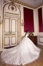 Wedding dresses Flori Collection  Luxurious Spirit  Silhouette  Ball Gown  Color  Pink  Ivory  Neckline  Sweetheart  Sleeves  Off the Shoulder Sleeves  Train  With train - foto 3