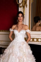 Wedding dresses Eritea Collection  Luxurious Spirit  Silhouette  Ball Gown  Color  Pink  Ivory  Neckline  Sweetheart  Sleeves  Off the Shoulder Sleeves  Train  With train - foto 2