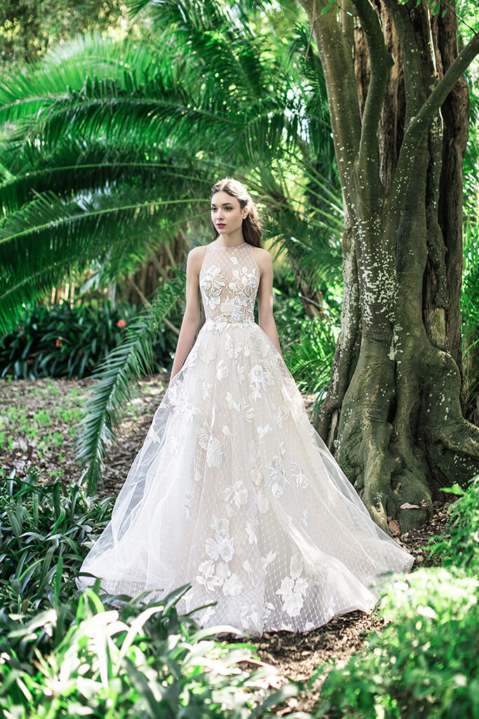 Wedding dresses Skyler Collection  Lisbon Lace  Silhouette  A Line  Color  Pink  Ivory  Neckline  Halter  Sleeves  Sleeveless  Train  With train - foto 4