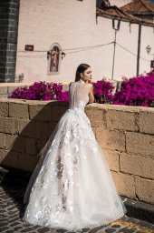 Wedding dresses Skyler Collection  Lisbon Lace  Silhouette  A Line  Color  Pink  Ivory  Neckline  Halter  Sleeves  Sleeveless  Train  With train - foto 6