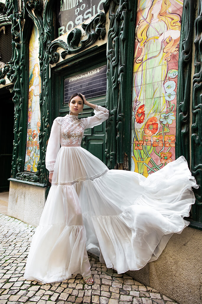 Wedding dresses Joyce Collection  Lisbon Lace  Silhouette  A Line  Color  Ivory  Neckline  Mandarin  Sleeves  Long Sleeves  Bishop  Train  No train - foto 5