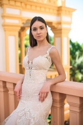 Wedding dresses Gustava Collection  Fresh Touch  Silhouette  Fitted  Color  Cappuccino  Ivory  Neckline  Sweetheart  Portrait (V-neck)  Illusion  Sleeves  Long Sleeves  Fitted  Train  With train - foto 6