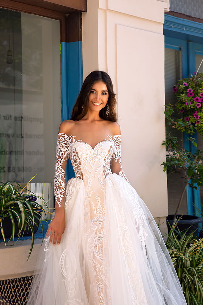 Wedding dresses Filis Collection  Dolce Italia  Silhouette  A Line  Color  Nude  Ivory  Neckline  Sweetheart  Sleeves  Off the Shoulder Sleeves  Train  Detachable train - foto 2