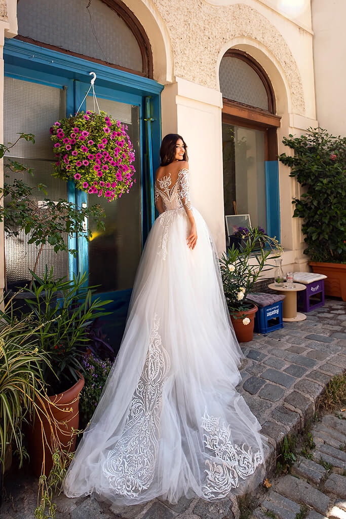 Wedding dresses Filis Collection  Dolce Italia  Silhouette  A Line  Color  Nude  Ivory  Neckline  Sweetheart  Sleeves  Off the Shoulder Sleeves  Train  Detachable train - foto 4