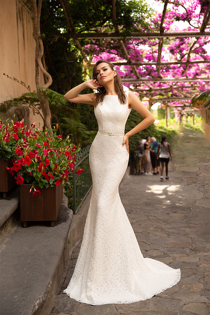 Wedding dresses Gianni Collection  Dolce Italia  Silhouette  Fitted  Color  Ivory  Neckline  Straight  Sleeves  Wide straps  Train  With train - foto 2