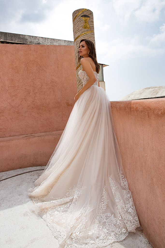 Wedding dresses Ebi Collection  Dolce Italia  Silhouette  A Line  Color  Cappuccino  Ivory  Neckline  Sweetheart  Sleeves  Sleeveless  Train  With train - foto 2