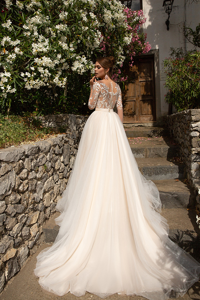 Wedding dresses Modesta Collection  Dolce Italia  Silhouette  A Line  Color  Cappuccino  Ivory  Neckline  Scoop  Sleeves  Long Sleeves  Fitted  Train  With train - foto 3