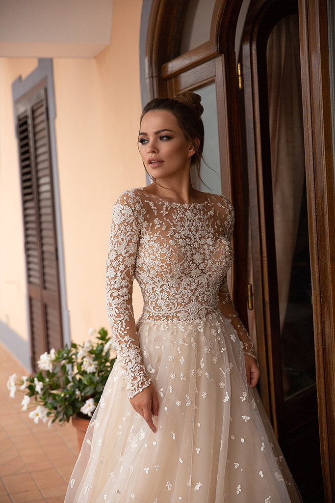 Wedding dresses Miryem Collection  Dolce Italia  Silhouette  A Line  Color  Cappuccino  Ivory  Neckline  Scoop  Sleeves  Long Sleeves  Fitted  Train  With train - foto 2