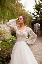 Wedding dresses Selena Collection  Dolce Italia  Silhouette  A Line  Color  Ivory  Neckline  Bateau (Boat Neck)  Sleeves  Off the Shoulder Sleeves  Long Sleeves  Balloon  Train  With train - foto 2