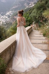 Wedding dresses Holli Collection  Dolce Italia  Silhouette  A Line  Color  Cappuccino  Ivory  Neckline  Illusion  Sleeves  Illusion Straps  Train  With train - foto 3