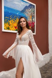 Wedding dresses Inge Collection  Dolce Italia  Silhouette  A Line  Color  Ivory  Neckline  Portrait (V-neck)  Sleeves  Long Sleeves  Bell  Train  No train - foto 2