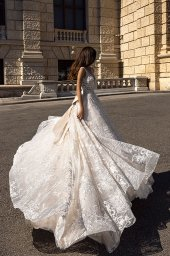 Wedding dresses Gwen-1 Collection  Luxurious Spirit  Silhouette  A Line  Color  Cappuccino  Ivory  Neckline  Sweetheart  Sleeves  Wide straps  Train  With train - foto 5