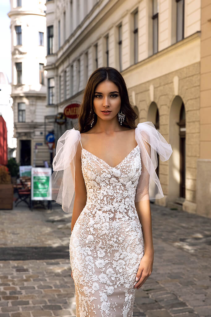Wedding dresses Reya Collection  Luxurious Spirit  Silhouette  Sheath  Color  Ivory  Neckline  Sweetheart  Sleeves  Detachable  Spaghetti Straps  Train  No train - foto 2