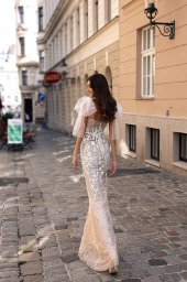 Wedding dresses Reya Collection  Luxurious Spirit  Silhouette  Sheath  Color  Ivory  Neckline  Sweetheart  Sleeves  可拆卸  Spaghetti Straps  Train  No train - foto 4